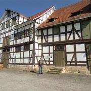 Eines der alten Hafengebäude -heute Gaststätte