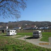 Premium-Stellplatz Bad Karlshafen vor dem Campingplatz