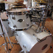 Pearl Export in Arctic White