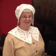 tradition occitane coiffe de dentelle tradition périgourdine costume traditionnel vêtement de nos aïeux broderie col au crochet  ou dentelles