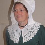 savoir faire local d'autrefois coiffe dentelle tradition périgourdine costume traditionnel vêtement de nos aïeux broderie col au crochet  ou dentelles traditions occitanes
