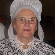 tradition occitane coiffe de dentelle tradition périgourdine savoir faire régional  costume traditionnel vêtement de nos aïeux broderie col au crochet  ou dentelles