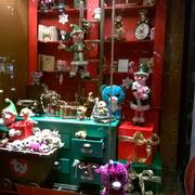 Hamley's, le magasin de jouet, les vitrines sont magnifiques mais je n'ai pas trouvé le magasin extraordinaire...