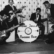 THE JOLLY ROCKING BOYS  vlnr: Anton Mulder, Frans de Ridder, Frank de Ridder, Tonny Cordier de Croust,  Erik Koster en  Pa Carli (sax).