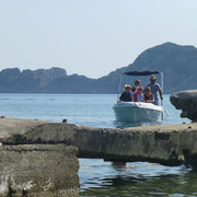... nach dem Baden gehts per Boot zurück ...