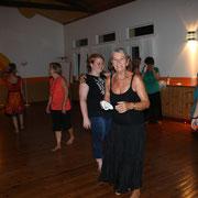 ... Highlights am Abend - Tanzen und Singen ...