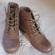 Dieses Paar Schuhe hat nur 30 Dollar gekostet! :)