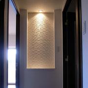 リノベーション Y邸 廊下のつきあたりにニッチをつくりモザイクタイルを貼る