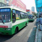 Unterwegs mit dem Bus in Vietnam.