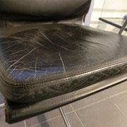 Stuhl vor Aufarbeitung Detail
