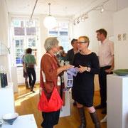 Kunstenaar Liesbeth(links)