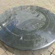 Die graue Fläche zeigt die durch die Bombardierung zerstörten Bereiche Rotterdams.