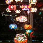 Orientalische Lampen im Restaurant des Hotel Bazaar.