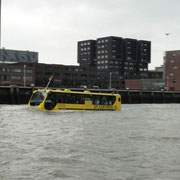Der Amphibien-Bus
