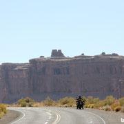 Das nennen wir mal ein Landschaft zum Motorradfahren
