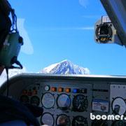Pilot Toni fliegt uns zum Mount Cook