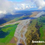 Der Fluss transportiert das Schmelzwasser des Fox Glaciere zum Meer