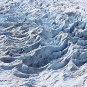 Das Blau des Gletschers liess sich nicht mit der Kamera einfangen