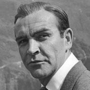 """Sean Connery, 1964. Damals wurden auf dem Furkapass und in Stans (Pilatus Flugzeugwerke) einige Szenen des Films """"Goldfinger"""" mit Sean Connery gedreht. Josef Ritler hat Connery in einer Drehpause auf dem Furkapass fotografiert. Foto: Josef Ritler."""