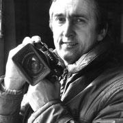 Josef Ritler mit Leica, Selbstporträt, 1976.