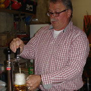 Hoffest 2013: Schankkellner Bernhard Knispel hatte eine Menge zu tun
