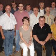 Die neue Vorstandschaft mit (stehend v.links) J. Asen, M. Steinleitner, P. Schneider, H. Wagmann, T. Hofbauer, H. Ebner, Dr. J.Heigl, Dr. F. Hölzl, J. Zerer, B. Hein, K. Sedlmayr; (sitzend von links) S.  Rottbauer, L. Danner, G. Rotbauer