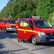Vorne: Barsbeker MTW (2 Feuerwehrkameraden)