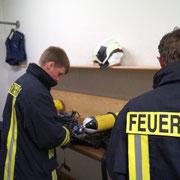 Die Einsatzkurzprüfung des Atemschutzgerätes ist Pflicht.