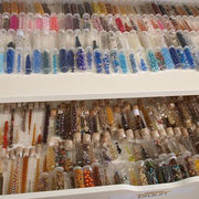 Der Perlenladen ELA EIS Düsseldorf führt über 4.000 Perlen aus der ganzen Welt für Ihre Braut und die Junggesellinnen