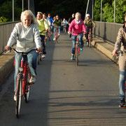 auf Brücke über den Mittellandkanal in Bückeburg-Berenbusch