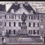Das Steinwich-Denkmal auf dem alten Markt 1908. Hier stand es bis 1938. (Quelle: Muenzauktion.com)