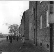 Wohnblöcke, vermutlich Reiferbahn (Quelle: Wikimedia Commons)