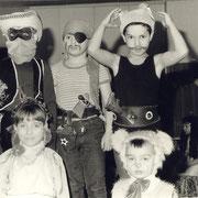 Fasching 1987 (Olli, Kai und Holk - unten links Ulrike Becker)