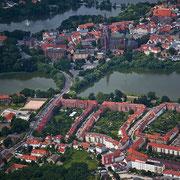 Frankenvorstadt und im Hintergund die historische Altstadt (Quelle: Wikimedia Commons)