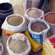 Erdnüsse, Affenbrot, Hirse, Findo, aus einheimischen Gärten- Afrika hautnah erleben mit Atelier Djignaba,Abéné