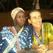 Alljährlich finden in der Casamance die großen Initiationsfeste der Diolas statt- Angehörige von Initiierten schmücken sich mit Perlenketten