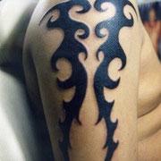 タトゥーデザイン トライバル