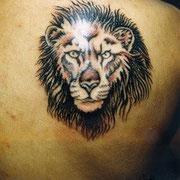 ライオン タトゥー 刺青