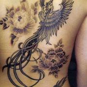 鳳凰と牡丹 タトゥー 刺青