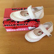 € 12,50 NIEUWE Hello Kitty schoenen