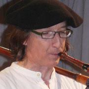Dominique Lemay : Cornemuses du Centre, Cornemuse landaise, flûtes, percussions, chant