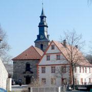 Pfarrhaus und Kirche am Altentrebgastplatz