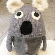 "Kinderhaube ""Koala"" aus 2 Kn. ""Vivienne"" von Lang Yarns, Fr. K. Ebner"