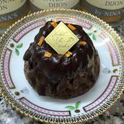 お菓子のしごとば さん 温州みかん陳皮のチョコレートクグロフ