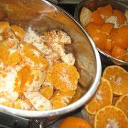 春見の皮で 春見マーマレード オレンジの香りです