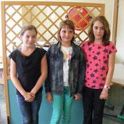 Podium individuel primaire : Ambre (2ème), Clémentine (1ère) et Célia (3ème)
