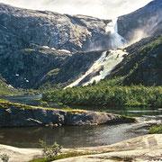 Der Søtefossen, der 4. und letzte Wasserfall der Tour. Gleich neben dem Aufnahmestandort stürzt der Nykkjesøfossen ins Tal.