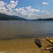 """Privatstrand"" am Camp 49 (Swan Lake)."