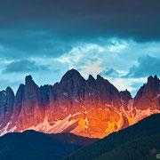 So ein beeindruckendes Farbenspiel beim Sonnenuntergang habe ich bisher in den Alpen noch nciht erlebt!