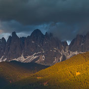 Waren auch noch so schwarze Wolken um die Gipfel, gegen Abend sorgte die die Sonne meist noch für ein farbenprächtiges Schauspiel.
